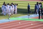 20110102_座間戦後ベンチに戻る久御山イレブン.jpg