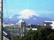20110102_藤沢駅付近から富士山拡大(ロマンスカー車窓).jpg