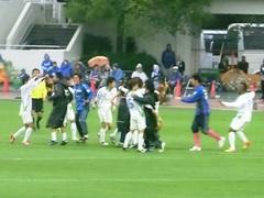 20121111_湘南3-0町田、試合終了J1復帰だ!.jpg