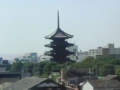 20131013 新幹線の車窓から東寺.jpg