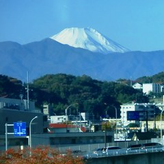 20131123_ロマンスカーの車窓から富士山 (多摩川橋の上).jpg