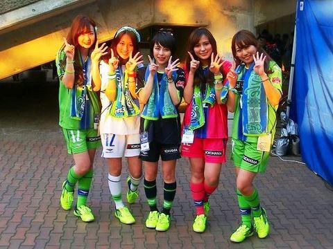20140518_湘南2−0福岡(BMWス) (330)試合後の勝利の女神-2.jpg