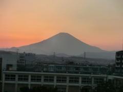 20140928_メインスタンド最上段からの夕陽の富士山 (4-1).jpg
