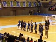 24_湘南の選手が神戸サポにあいさつ.jpg