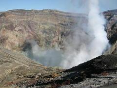 中岳の火口.JPG