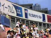 踊るおっちゃん軍団.jpg